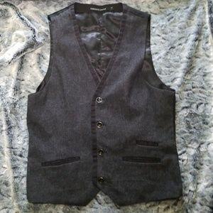 Foreign exchange suit vest